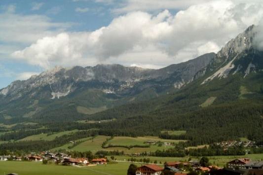 Bjergkæden Wilden Kaiser danner rammen om denne efterårsfest