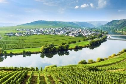 Kom på et flodkrydstogt i smukke omgivelser