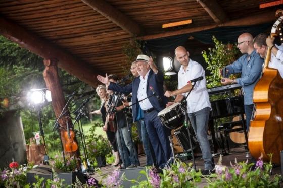 Tag med Riis Rejser til Sommersang i Mariehaven