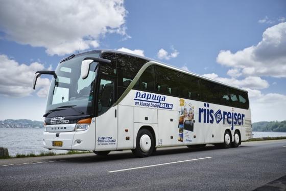 Vi kører i 4-stjernet bus til Würzburg