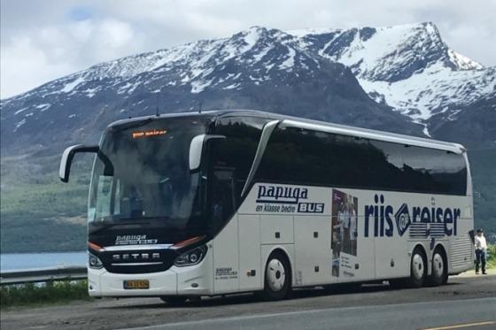Vi skal køre i en god 4-stjernet bus